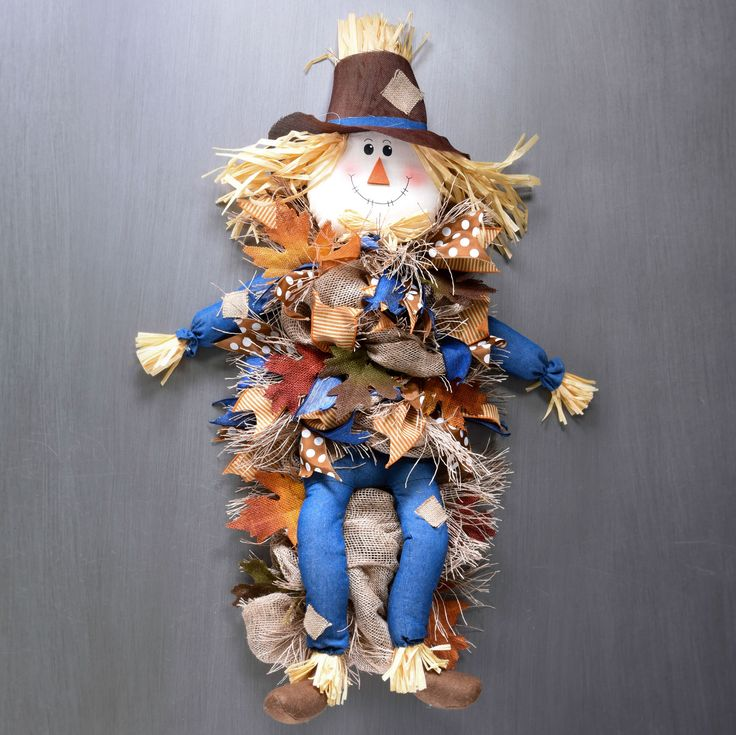 Stan the Straw Man...A Fall scarecrow video tutorial. Great new technique using mesh to create fringed hay!