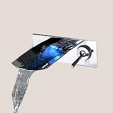 Moderni Seinäasennus LED Vesiputous with Keraaminen venttiili Yksi kahva kaksi reikää for Kromi Pesuallashana