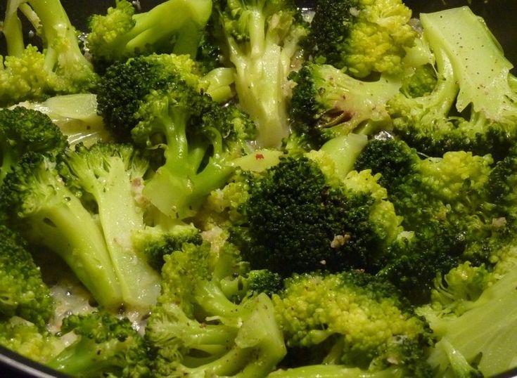 Brokolice s česnekem.