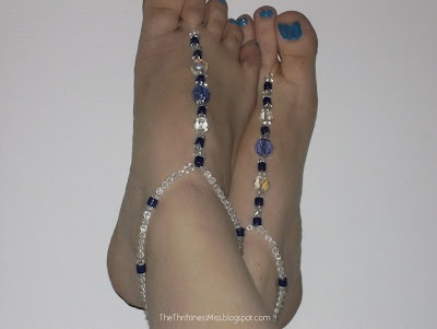 Make Your Own Easy Beaded Barefoot Sandals #diy #barefoot #beads