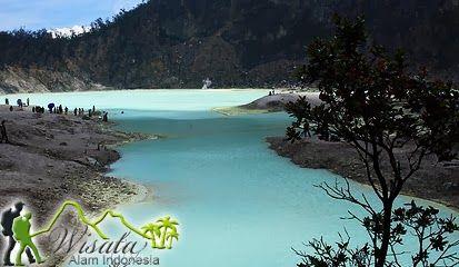 Objek Wisata Danau Kawah Putih terletak di kecamatan Ciwidey, Kabupaten Bandung, Provinsi Jawa Barat. Berjarak 46 km dari pusat kota Bandung