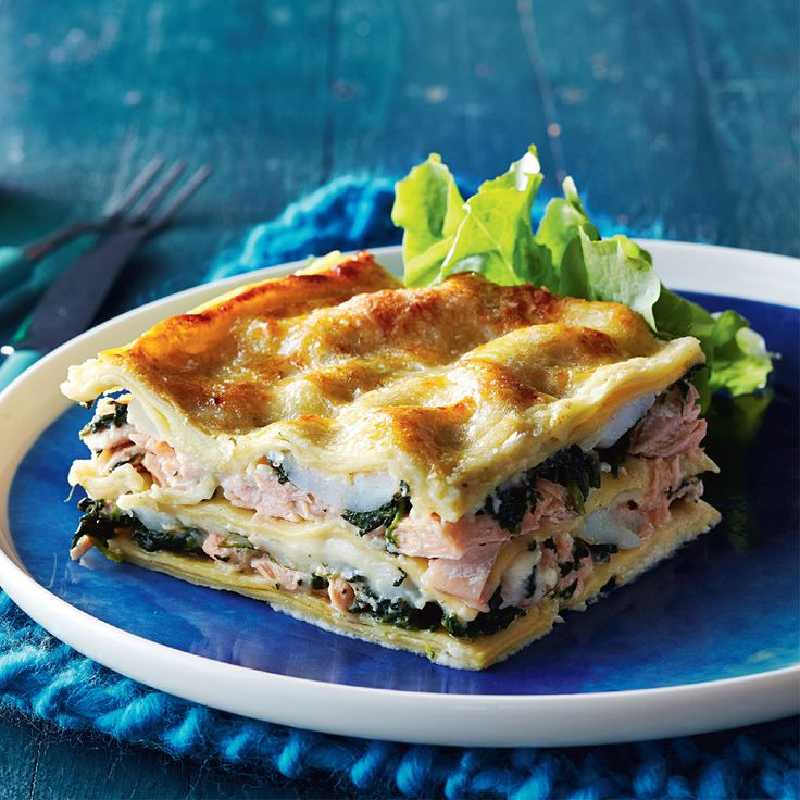 Learn how to make this delicious Salmon & Spinach Lasagne #Woolworths #WhatsforDinner #Recipe #Salmon #Spinach #Lasagne #Seafood http://www2.woolworthsonline.com.au/Shop/Recipe/3483