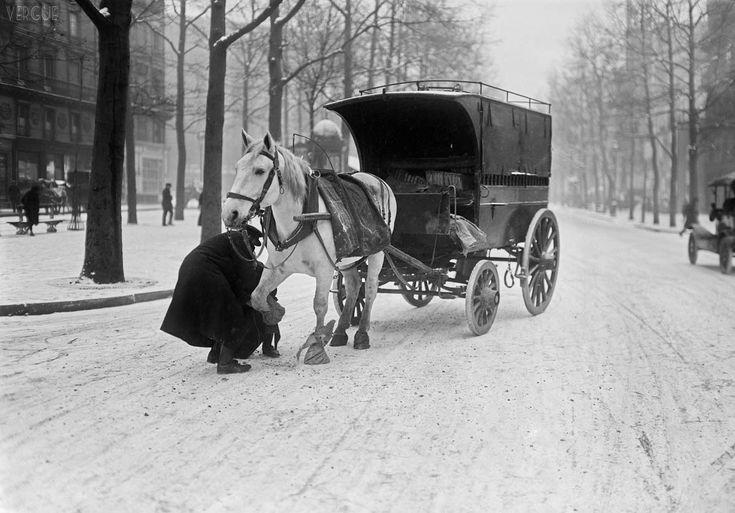 Cheval sous la neige en 1920 les plus belles photos de paris sous la neige