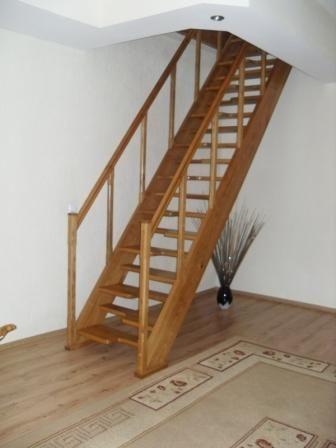 Escaleras para aticos escalera de hierro con peldaos de - Como hacer una escalera de madera recta ...