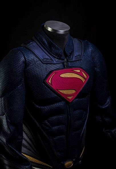 Trajes de super-heróis são transformados em roupas para motociclistas | ID Traduzidas #ManOfSteel Homem de Aço