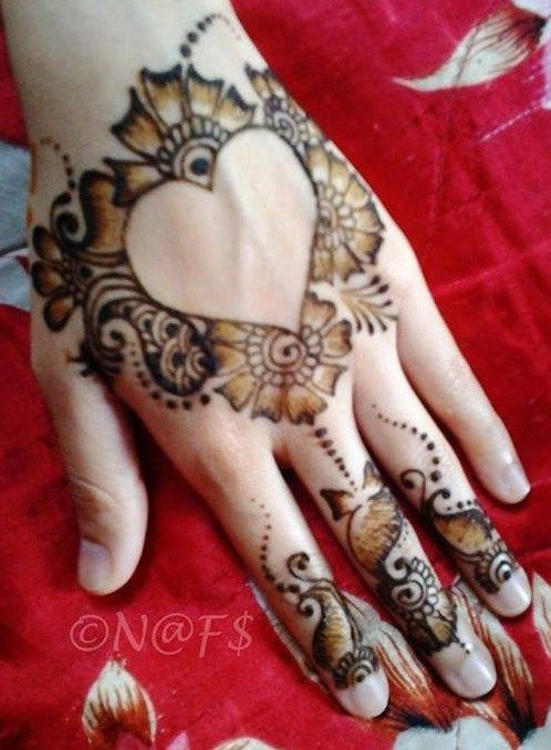 1496 best images about henna mehndi designs on pinterest inner bicep tattoo henna mehndi and. Black Bedroom Furniture Sets. Home Design Ideas