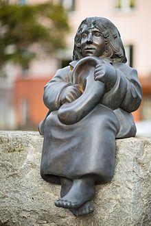 Sculpture Momo Ulrike Enders Michael-Ende-Platz Hanover Germany.jpg