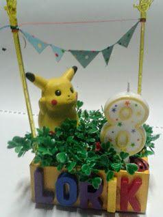 Décoration de gâteau enfant. Décoration de table. Décoration de fête.Solde.Thèmes: Playmobil, Pikachu, Bambi, oiseau, girafe, dinosaure, personnages, couple, demandez le votre.  Artisanat miniature - Fait main - Prix soldé: 12€  Ici, garniture jardin autour de Pikachu. L'animal ou le personnage favori de votre enfant au sommet de son gâteau ou en décoration de table, voilà une façon de le surprendre et de lui faire plaisir en un jour spécial. Célébrez une occasion ou fêtez un ami avec un…