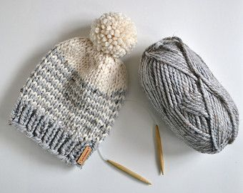 Chunky Knit Color Block Beanie // Chunky Knit от StarSeventeen. Really simple, natural hat.