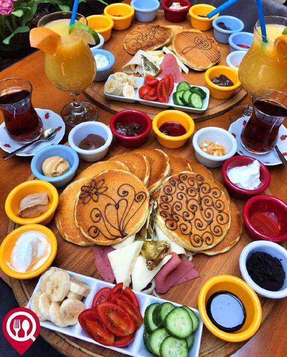 """Pancake Kahvaltı Tabağı - Agapia #Cafe & #Restaurant / #İstanbul #Kadıköy   Çalışma Saatleri 09:30-02:00  0 216 418 3636   #Pancake #Kahvaltı 2750 TL  Alkollü Mekan   Paket Servis Yok  Sodexo Multinet Ticket Var  Açık Alan Var  Otopark Yok Sınırsız çay servisi ile birlikte Fotoğraftaki görsel 2 kişiliktir. DAHA FAZLASI İÇİN YOUTUBE """"YEMEK NEREDE YENİR"""" TAKİP ET"""