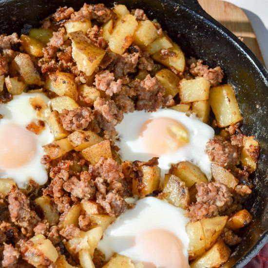 Perfect blend of sausage, potatoes and onions with a kick. Topped with fried egg. Brunch in 30 minutes!