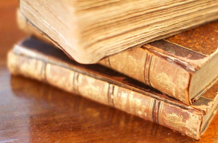 Stare książki i klątwy