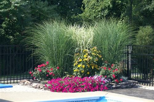 Round flower bed all things exterior pinterest - Circular flower bed designs ...