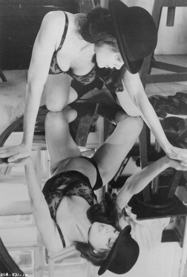 picture-of-lena-olin-in-the-unbearable-lightness-of-being-large-picture.jpg (1384×2048)