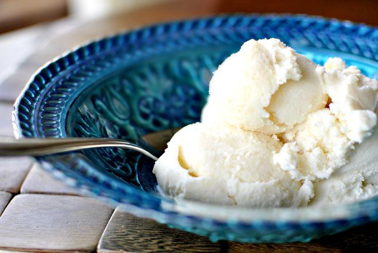 This vanilla ice cream only calls for 5 easy ingredients; heavy cream, milk, sugar, vanilla extract and sea salt. So creamy and delicious!