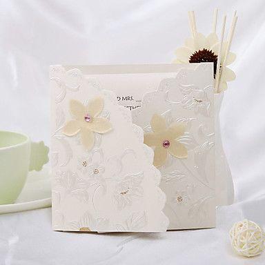 Vintage Floral Preget Tri-fold bryllup invitasjon (sett av 50) – NOK kr. 463