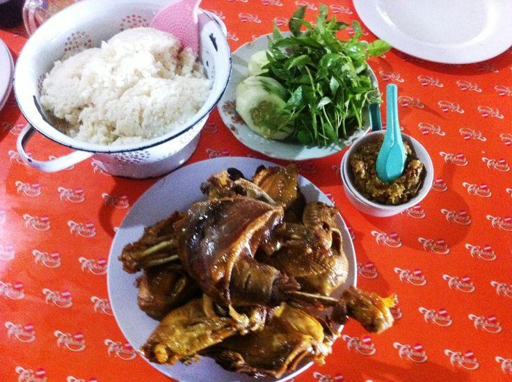 Ayam Goreng Mbah Cemplung Citarasa Sempurna Kuliner Yogyakarta - Kuliner Yogyakarta