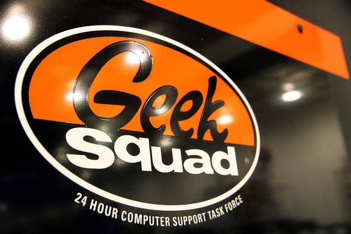 The FBI has reportedly paid Best Buy's Geek Squad employees for potential criminal information found as the employees repaired people's computers.