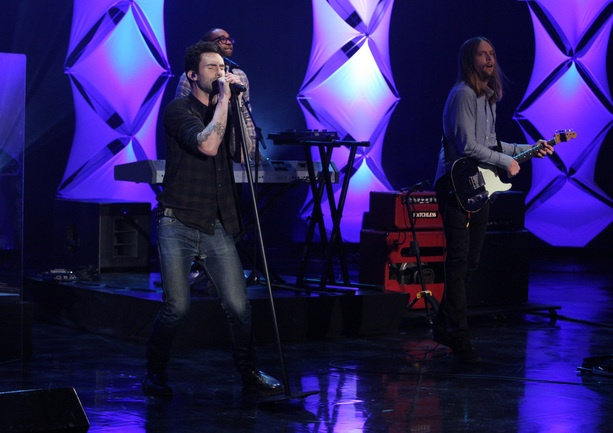 "Maroon 5 performing ""Daylight"""