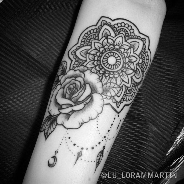 Résultats de recherche d'images pour «mandala rose tattoo»