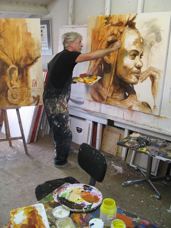 Hans Jochem Bakker (b. 1948) painting in his artist studio #workspace. hansjochem.com