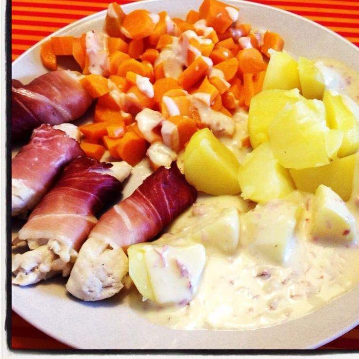 Rezept Rauchiges Hähnchenfilet mit Kartoffeln, Gemüse und Soße :) All in one von Daumling - Rezept der Kategorie Hauptgerichte mit Fleisch