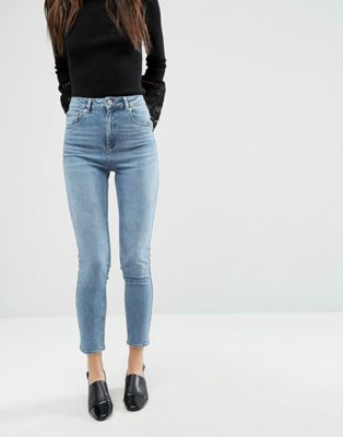 ASOS – FARLEIGH – Schmale Mom-Jeans mit hoher Taille in Prince-Waschung