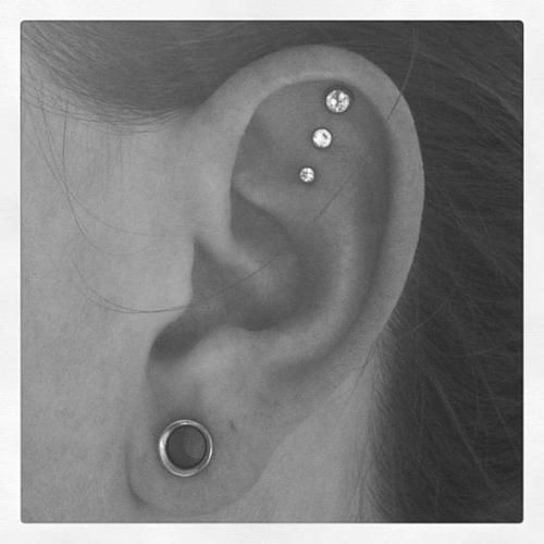 triple helix piercing, seriously considering getting this...or daith?? AHH decisions decisions..