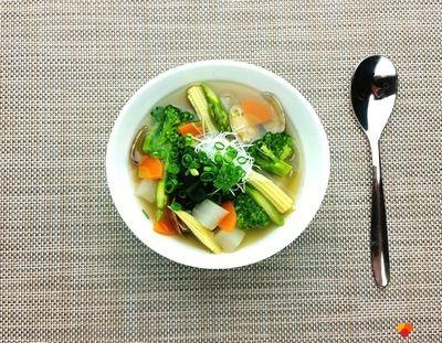 彩野菜とあさりの和風スープ