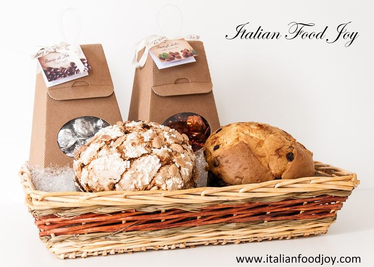 During #Christmas we love a delicious leavened #sweetbread where the dough is left to rise for about 18 hours; a process that demonstrates all our passion and love for what we do.  #backed_sweet #italian_sweet #sweet www.italianfoodjoy.com for UK and other countries www.italianfoodjoy.de for DE and AT only