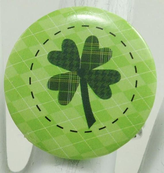 Shamrock Button Ring/St. Patrick's Day/Statement