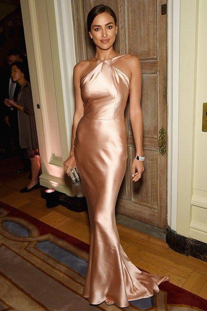 Irina-Shayk-Vogue-26Apr15-...............wrap1