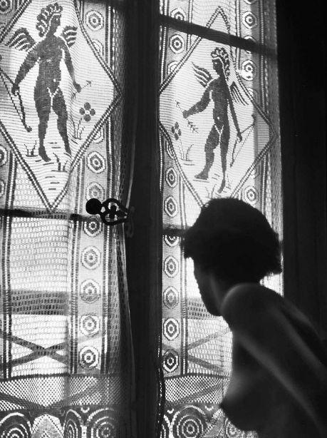 From 'The Eye of Love' series, 1953. Rene Groebli.