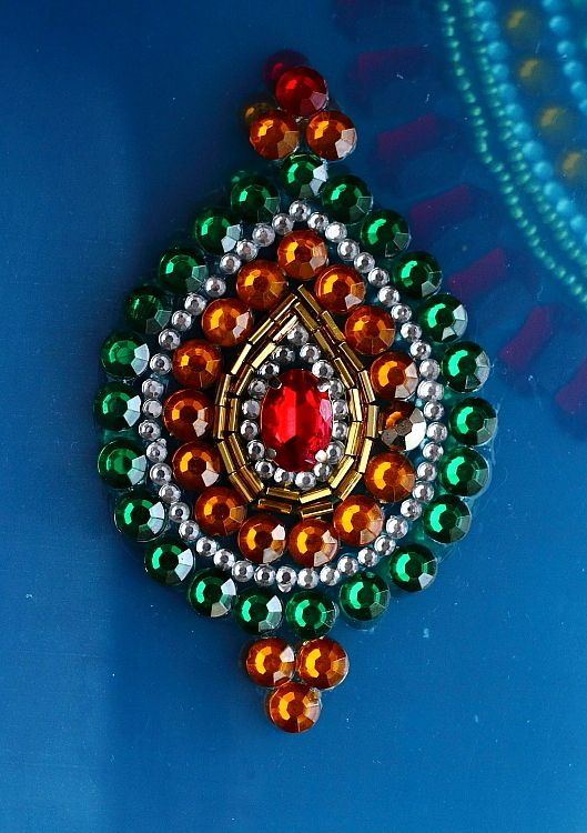 127 Best Kundan Rangoli Images On Pinterest Diwali Decorations Rangoli Designs And Beading