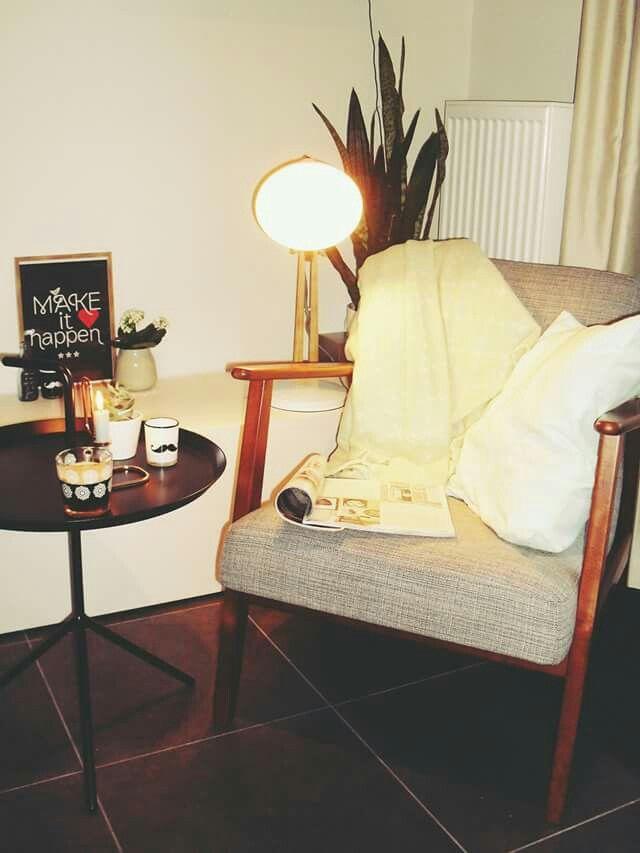Mijn eigen EKENÄSET fauteuil in mijn mijn klein appartementje // #Hema #interieur #interieus #decoreren #Ikea #vtwonen #vtwonenhappypage #happypage #Hay #vaas #lamp