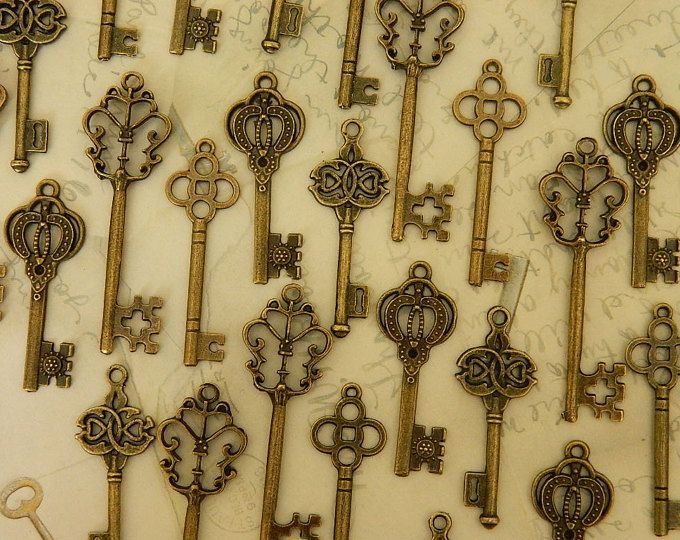 12 Alice skeleton keys steampunk vintage style wedding keys set bulk charms wedding favor jewelry supply wholesale bronze brass keys clés