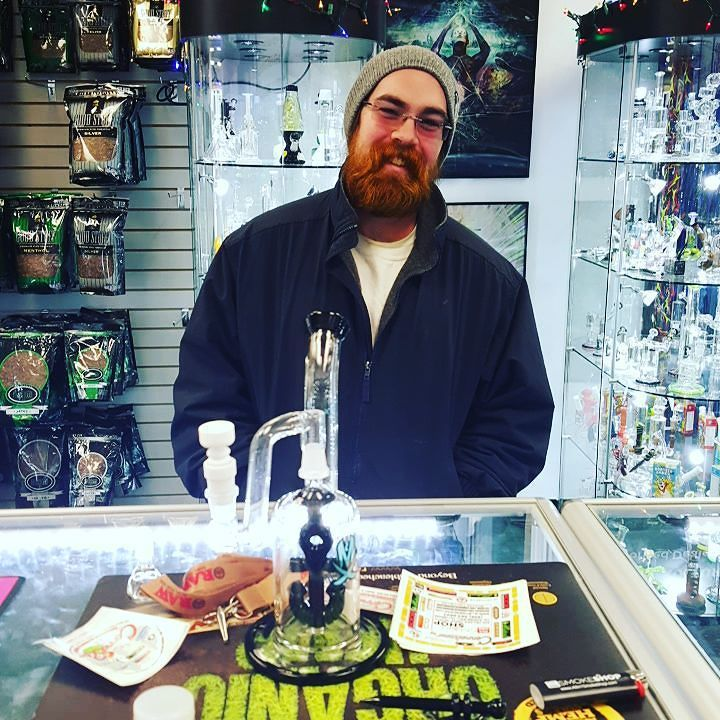 Jeff is the lucky winner of this gorgeous Mathematix anchor perk rig with extras included  #connoisseursmokeshop #igdaily #edm #rowan #college #winner #raffle #lotto #lottery #drawing #ticket #weshouldsmoke #dothemath #mathematixglass @mathematixglass #dank #fresh #philly #vape #girlswhosmoke #heady #boro #glassart #glassboro #gangsta by connoisseursmokeshop