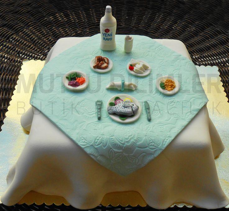 Rakı balık pastası - raki fish cake - cheers cake - şerefe pastası - rakı sofrası pastası - little little in the middle  mutludilimler.blogspot.com www.facebook.com/mutludilimlerpastacilik