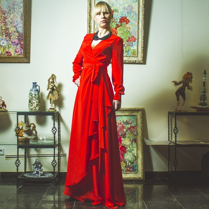 Платье на запах с драпировкой красное длинной от Константина Миро Konstantin Miro