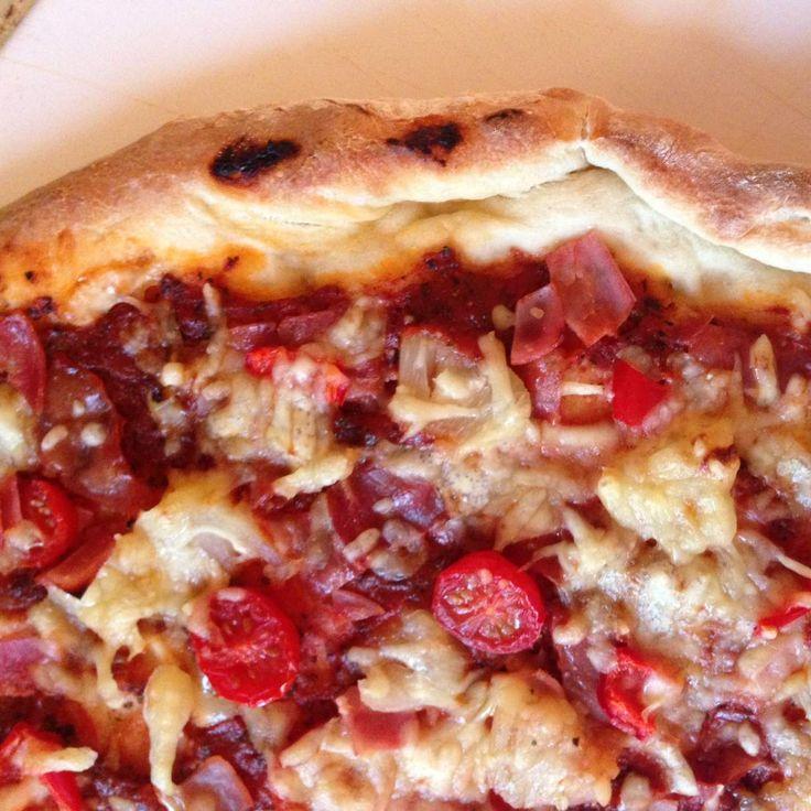 Rezept Leckerster Pizzateig für den Pizzastein (Grill oder Backofen) von Briddily - Rezept der Kategorie Backen herzhaft