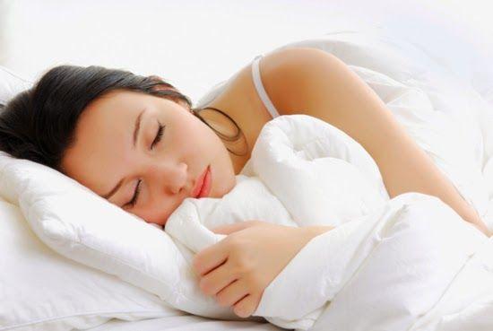 8 malos hábitos nocturnos con los que debes terminar.