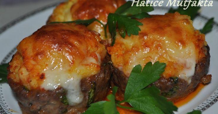 Yine sunumu çok şık olan bir yemek, muhtesem görünümüyle masalarımızı süslüyor, lezzetiyle miğdenizi şenlendiriyor.. Osmanlı sar...