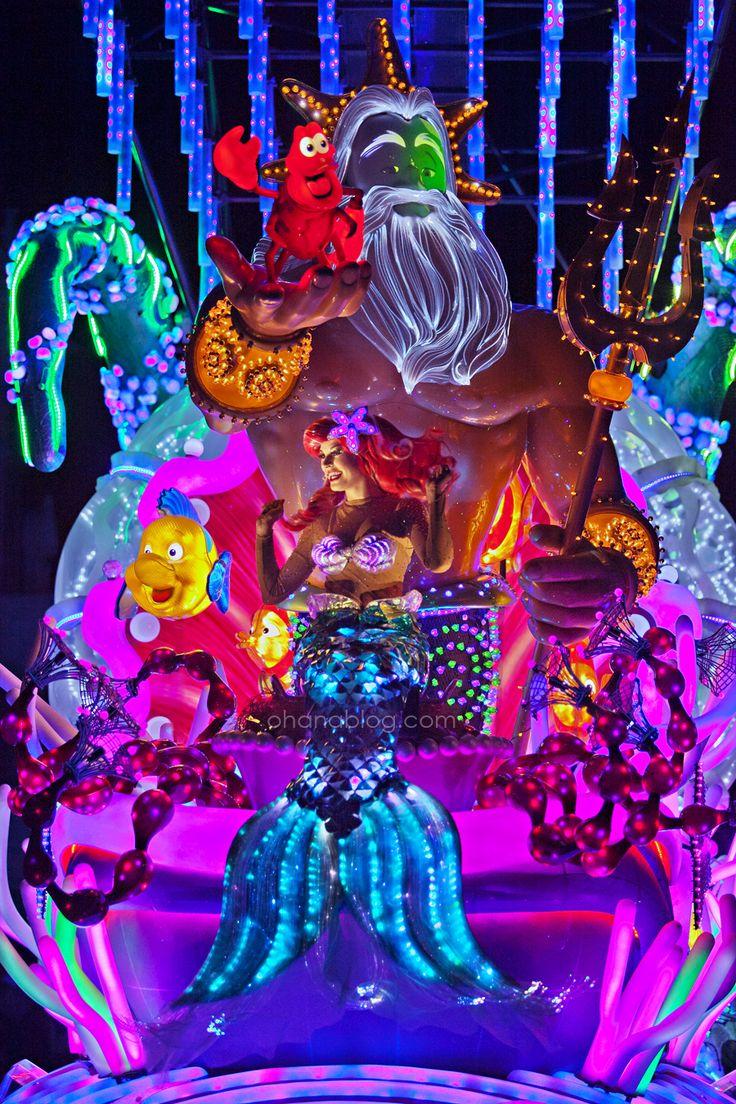 Disneyland Paint the Night Parade // Little Mermaid