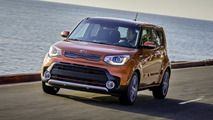 The Kia Soul goes turbo for 2017, adding a more powerful option to its high-end Exclaim model.
