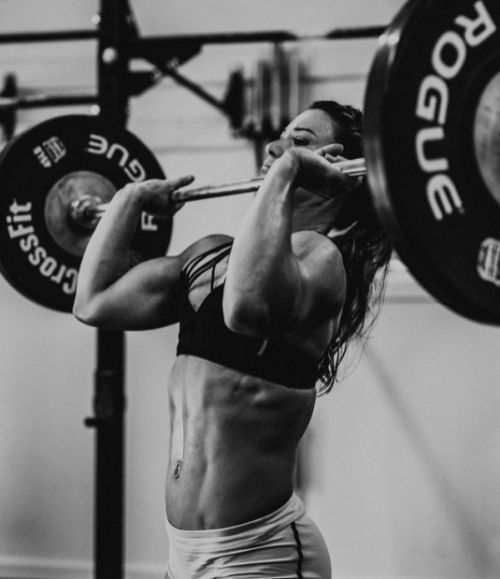CrossFit women lift
