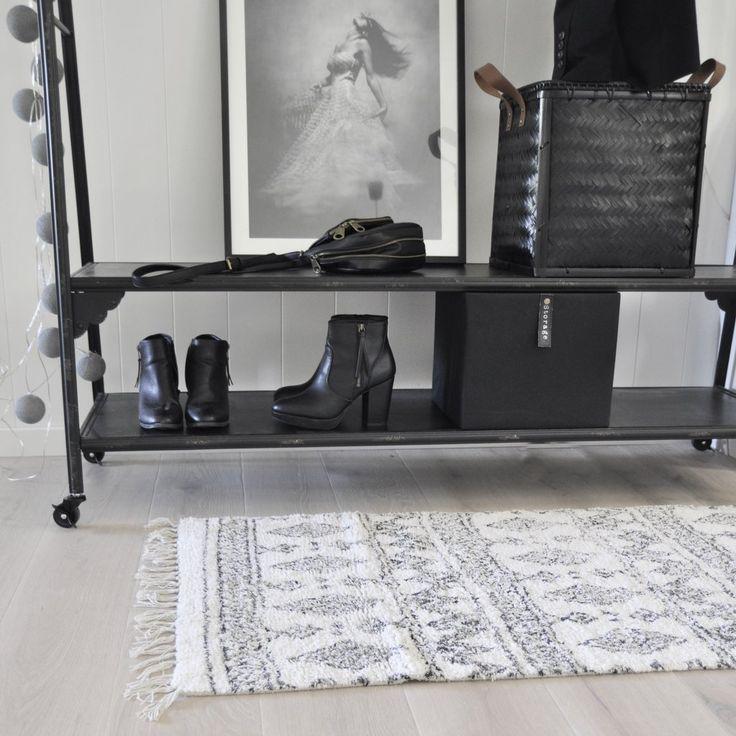 nygg tuftad matta med tryckt mönster som passar i alla rum, även badrum!