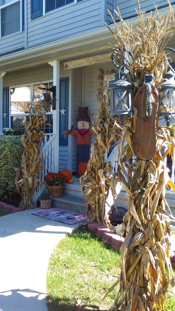 Outdoor fall decorating ideas yard - Autumn Decorations Outdoor Decorations Seasonal Decor Outdoor Ideas Fall Porches Front Porches Decor Crafts Fall Crafts Thanksgiving Ideas