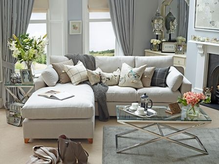 Willow & Hall high quality hand made chaise & corner sofas; the type of lovely products which would usually put a rather huge hole in your hard earned wallet.