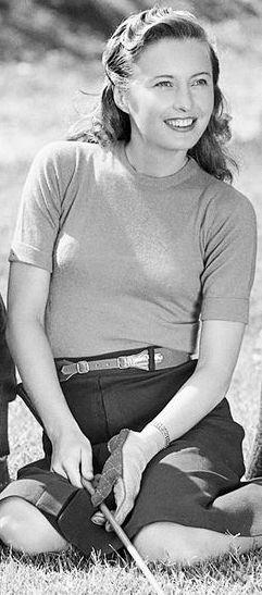 Barbara Stanwyck Love that beautiful smile!