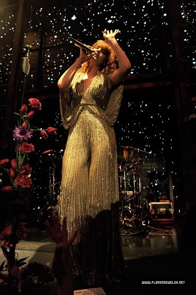 Florence Welch in Elie Saab